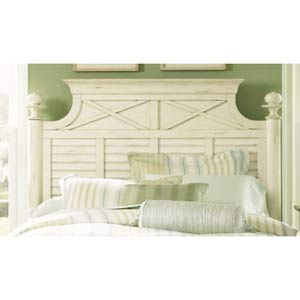 Ocean Isle Bisque with Natural Pine Queen Poster Headboard