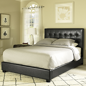 Andover Queen Bedset in Black Leatherette