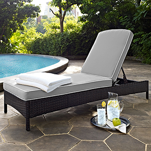 Palm Harbor Outdoor Wicker Chaise Lounge in Brown With Grey Cushions