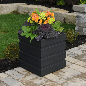 Freeport Patio Planter 18 X 18 Inch - Black