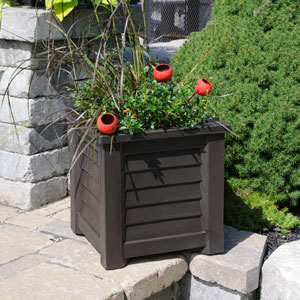 Lakeland Espresso 16 x 16-Inch Outdoor Planter
