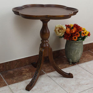 Carved Scalloped Round Table