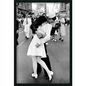 Kissing on VJ Day - Times Square by Alfred Eisenstaedt: 25.4 x 37.4 Print Framed with Gel Coated Finish