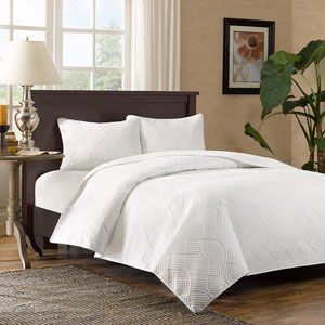 Corrine White Three Piece Full/Queen Coverlet Set