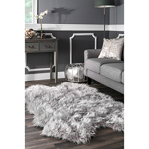 Tianna Faux Sheepskin Quarto Shaggy Light Grey Rectangular: 3 Ft. 6 In. x 6 Ft. Rug