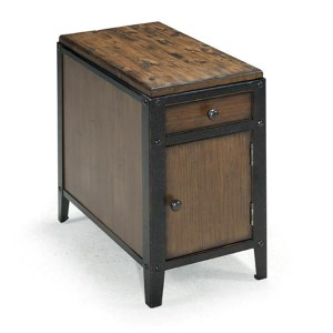 Pinebrook Distressed Natural Pine Chairside End Table