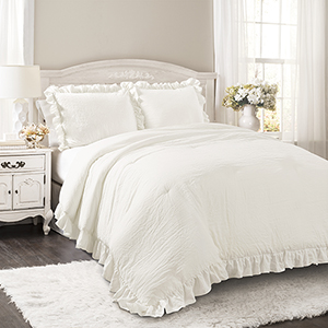 Reyna White Full/Queen Three-Piece Comforter Set