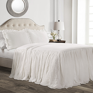Ruffle Skirt White King Three-Piece Bedspread Set
