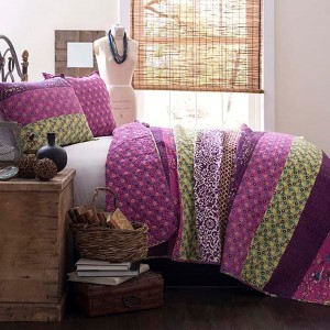 Royal Empire Plum Three-Piece Full and Queen Quilt Set