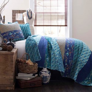 Royal Empire Peacock Three-Piece Full and Queen Quilt Set