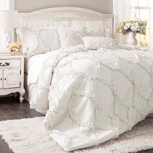 Avon White Three-Piece Queen Comforter Set
