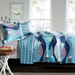 Sea Life Blue Three-Piece Full/Queen Quilt Set