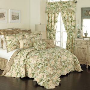 Garden Glory Three-Piece Queen Quilt Set