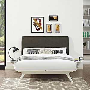Tracy 3 Piece Queen Bedroom Set in White Brown