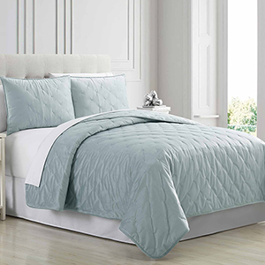 Cottage Lane Blue 3 Piece Queen Quilt Set