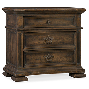 Hill Country Elmendorf Brown Three-Drawer Nightstand