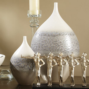 Cream Rises Wide Small Vase