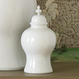 Williamsburg White Small Beaufort Ginger Jar