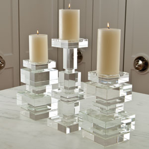 Brilliant Short Candleholder Pillar