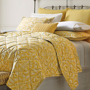Axelle Gold Twin Quilt