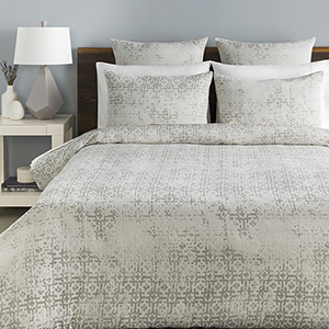 Abstraction White and Light Grey Full/Queen Three-Piece Duvet Set
