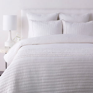 Lindon White Twin Quilt