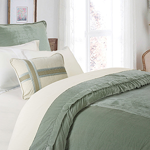 Arlington Green Super Queen Velvet Duvet