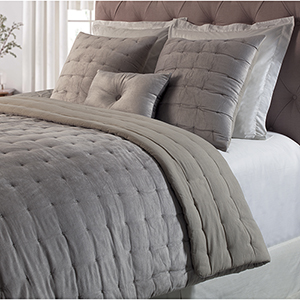 Bailey Silver King Quilt