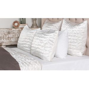Tanner Ivory Four Piece King Quilt Set