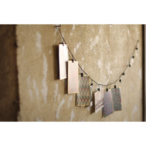 Chain Garland with Twelve Clips