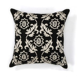 Black and White Finesse 18-Inch Decorative Pillow
