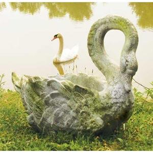 Swan Grande 22-Inch Fiberglass Planter - White Moss Finish