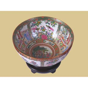 Rosemedallia Bowl with Base