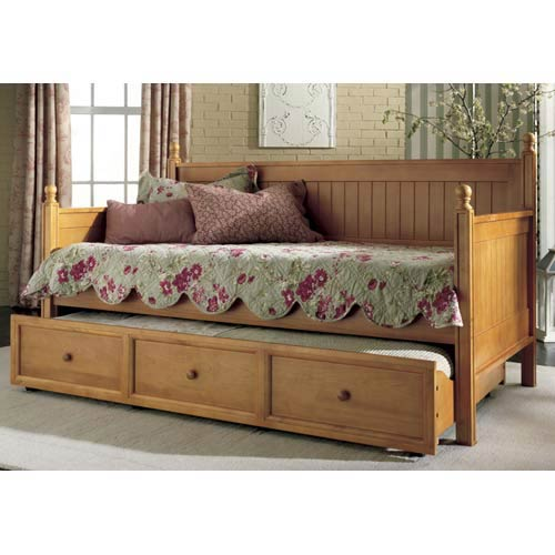Fashion Bed Group Casey Honey Maple Twin Daybed w/ Trundle