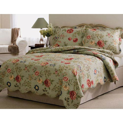American Traditions Edens Garden King Quilt with Two Shams