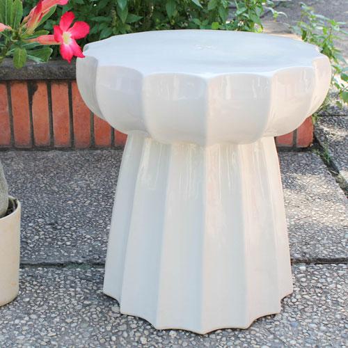 Antique White Round Scalloped Ceramic Garden Stool