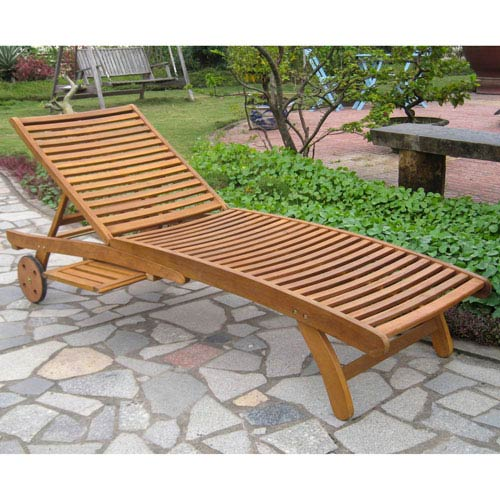Acacia Chaise Lounge with Pull Out Tray