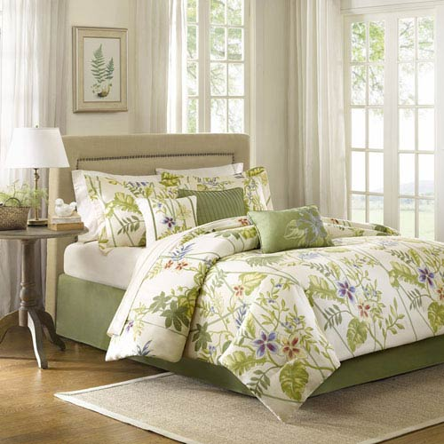 Kannapali Green Seven-Piece Queen Comforter Set