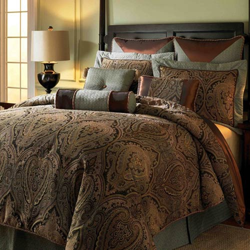 Canovia Springs King Comforter Set