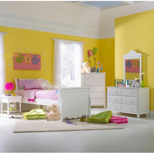 Lauren White Full Four-Piece Sleigh Bedroom Set