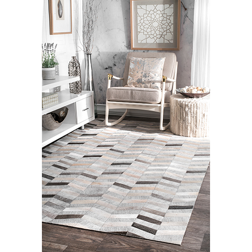 Handmade Cowhide Mitch Silver Rectangular: 4 Ft. x 6 Ft. Rug