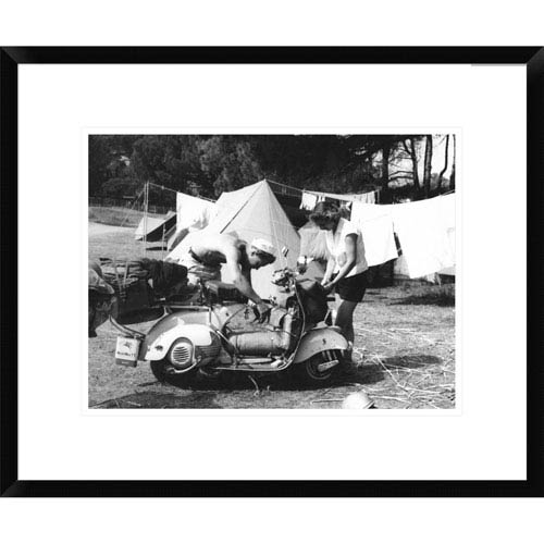 Global Gallery Jeune Couple En Camping, 1960 By Charles Delius, 18 X 22-Inch Wall Art