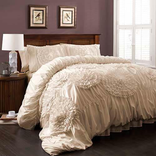 Serena Ivory Three-Piece Queen Comforter Set