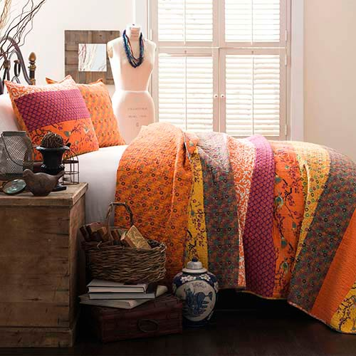 Royal Empire Tangerine Three-Piece Full and Queen Quilt Set