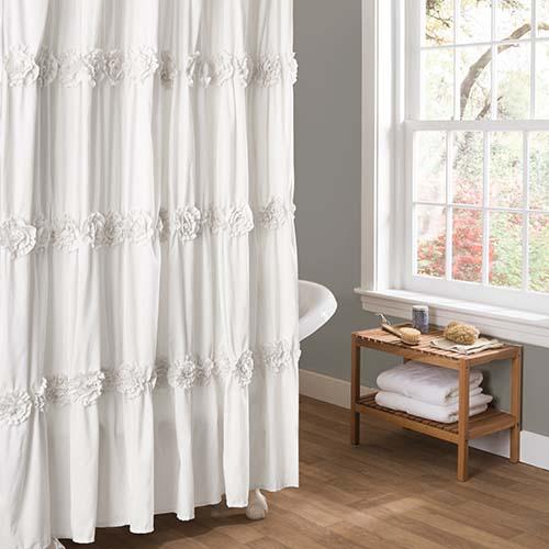 Superbe Lush Decor Darla White Shower Curtain