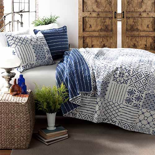 Monique Blue Three-Piece Full/Queen Quilt Set