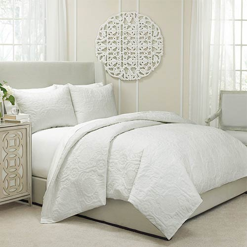 Vue Barcelona Ivory Three-Piece Queen Quilted Coverlet and Duvet Set