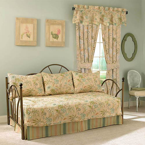 Cape Coral Five-Piece Daybed Quilt Set