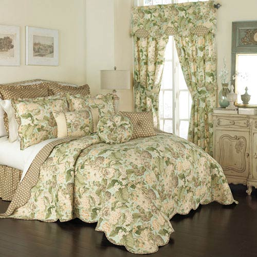 Waverly Garden Glory Three-Piece Queen Quilt Set
