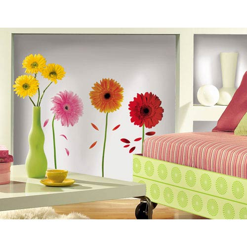 Roommates Decor Small Gerber Daisies Peel and Stick Wall Decals